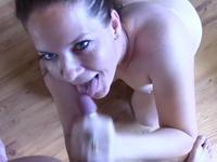 Teen is cumshot in her mouth