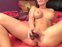 Curvy woman is masturbating